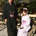 Jeunes mariés posant pour la postérité