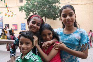Gamins près du fort