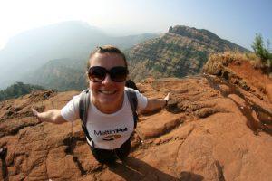 Choupi au Grand Canyon de Matheran