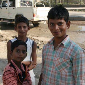 Gamins dans la rue