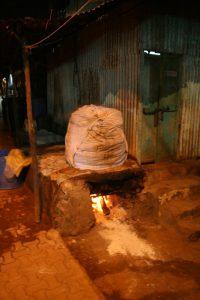 Séchage du linge sur le feu