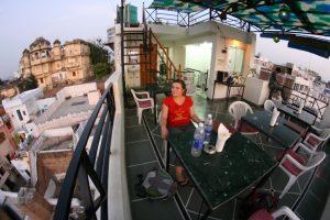 Choupi sur la terrasse du toit