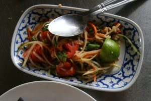 Papaya salad maison