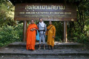 Avec les moines au Doi Inthanon