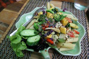 Salade colorée d'un restau
