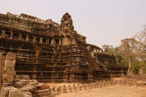 Temple pyramidal