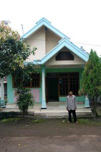 Le grand père et sa maison