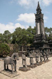 Statues du tombeau