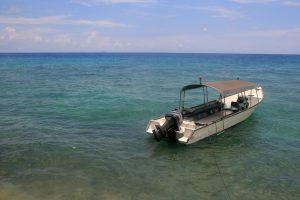 Mer turquoise de l'île de Tioman