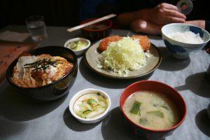 Tonkatsu et poulet crispy